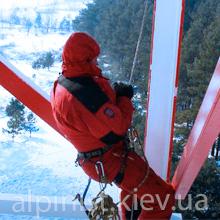 монтаж металлоконструкций альпинистами на высоте фото категории