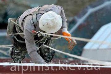 технология покраски стен альпинистами фото