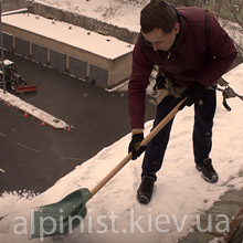 уборка снега с крыш альпинистом в киеве фото категории
