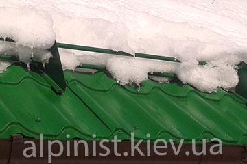 снегозадержатели на крышу защитят от схода снега фото