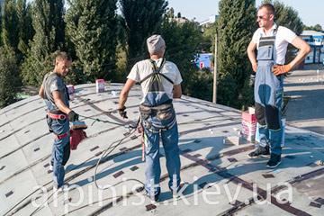 пример работы гидроизоляции крыши ангара компанией альпинист киев фото