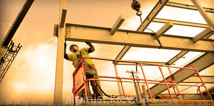 монтаж металлоконструкций промышленными альпинистами фото слайдера