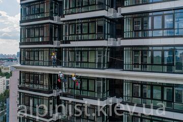montazh-i-podklyuchenie-svetodiodnoj-lenty-na-fasad-dzhek-haus-kategoriya