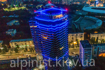 podsvetka-fasada-doma-dzhek-haus-kategoriya