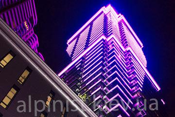 пример работы подсветка фасада дома джек хаус альпинисты киев