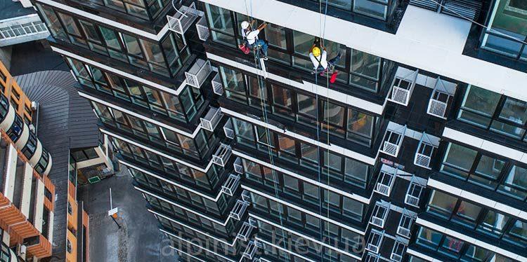 монтаж светодиодной ленты на фасаде джек хаус фото слайдера