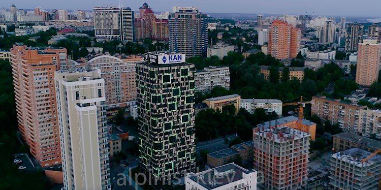 подсветка фасадов зданий на высоте жилого комплекса тетрис холл