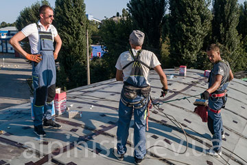 gidroizolyaciya-kryshi-angara-na-vydubichah-professionalami-kompanii-alpinisty-kiev-foto