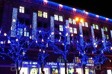 новогоднее оформление фасадов зданий профессионалами фото