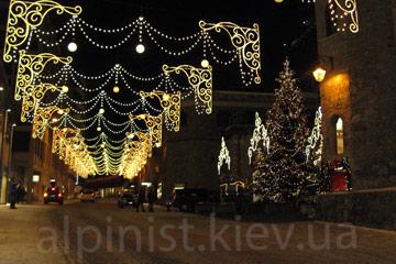 Новогоднее оформление улиц в вашем городе фото