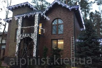 новогоднее украшение дома от профессионалов компании альпинисты киев фото