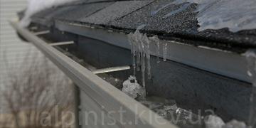 gotovim-vodostoki-k-zime-uslugi-alpinistov-kategorii-foto