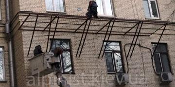 ustanovka-zashchitno-ulavlivayushchih-reshetok-ehkranov-kategorii-foto
